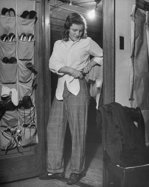 Teen Girl 1940w